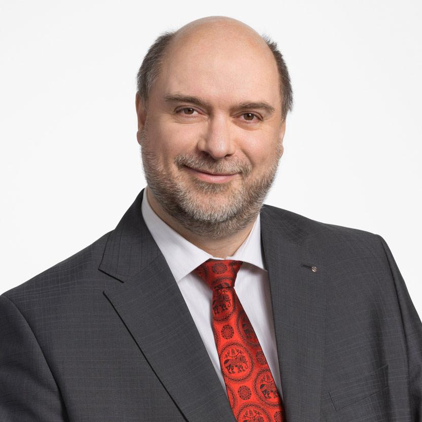 Portraitfoto Botschafter Christoph Beer